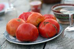 Preserved Tomatoes Recipe (Confit of tomatoes) | David Lebovitz http://www.davidlebovitz.com/2005/07/the-tomato-gap-1/