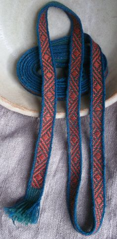The pattern is based on the 12th/13th century find from Lund Cathedral, Sweden Tablet woven by EarthTribes