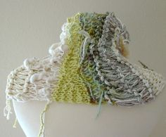 sustainable warmth capelet freeform knit natural par KnotOriginal, $78,00