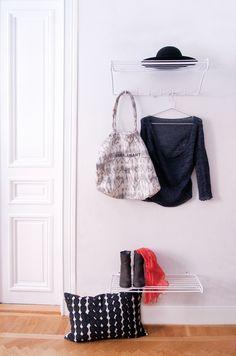 http://www.room21.fi/fi/artiklar/shoe-shelf-kenkahylly-valkoinen.html