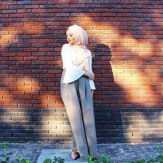 "hijabequalsmodesty: ""IG: hijabhills """