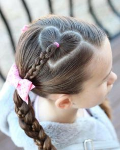 Heart hair part with braid. Heart hair part with braid. Little Girl Hairdos, Hairdos For Short Hair, Girls Hairdos, Cute Hairstyles For Kids, Cute Girls Hairstyles, Heart Hairstyles, Beautiful Hairstyles, Hairstyles 2016, Teenage Hairstyles