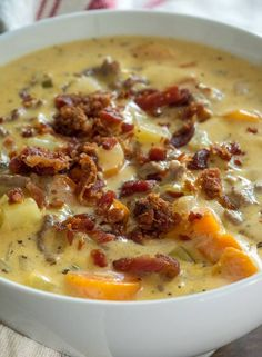 Extra Creamy Slow Cooker Cheeseburger Soup ( I would use rotel or stewed tomatoes instead of carrots & celery) Slow Cooking, Cooking Panda, Thai Cooking, Cooking Rice, Cooking Turkey, Crockpot Recipes, Cooking Recipes, Slow Cooker Hamburger Recipes, Crock Pot Soup Recipes