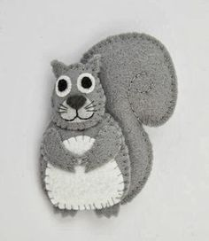 Bugs and Fishes by Lupin: Make a Felt Squirrel from My New Book!