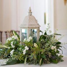 Classic Chic Home 2012: 9 Elegant Christmas Centerpiece Ideas