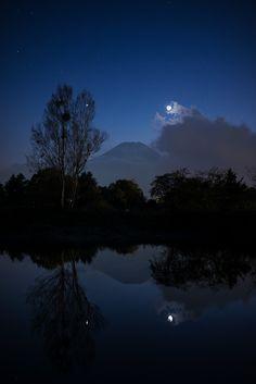 The Silent Trinity by Yuga Kurita on 500px (Mt. Fuji, Venus and Crescent Moon)