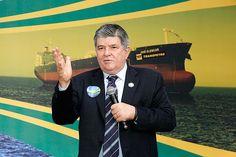 Sérgio Machado, então presidente da Transpetro, durante cerimônia de inauguração do navio José Alencar
