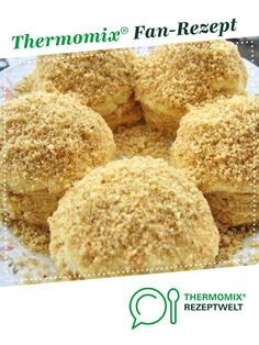 Sehr leckere und schnelle Biskuit Bällchen /Schneebälle Very tasty and quick biscuit balls / snowballs from BeautyThermi. A Thermomix ® recipe from the category baking sweet www.de, the Thermomix ® community. Easy Cake Recipes, Easy Desserts, Baking Recipes, Cookie Recipes, Dessert Recipes, Quick Biscuits, Cookies Et Biscuits, Quick Cookies, Crispy Cookies
