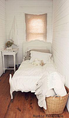 Home Bedroom, Bedroom Decor, Bedroom Ideas, Bedroom Rustic, Bedroom Nook, Bedroom Furniture, Small Rooms, Small Spaces, Attic Rooms