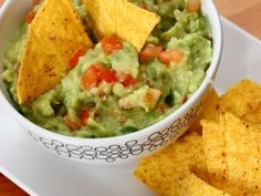 Guacamole, Salad Recipes, Chips, Mexican, Vegetables, Ethnic Recipes, Food, Salads, Potato Chip