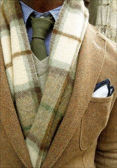 one of the ways guys could wear scarves and look masculine Gant Rugger+Ralph Lauren+Pochette Square+Chapellerie Bruyas+Cremieux Style Gentleman, Gentleman Mode, Sharp Dressed Man, Well Dressed Men, Herringbone Blazer, La Mode Masculine, Mode Style, Men's Style, Style Blog