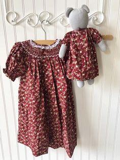 Petit Ami Mouse Doll in Burgundy Dress – The Little Cottage