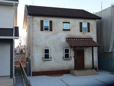 施工事例:ずっと前からそこに佇んでいたようなアンティークな家|浜松市工務店 エコーアート 注文住宅 自然素材の家 無垢の木と漆喰の塗り壁の家 アンティーク な家