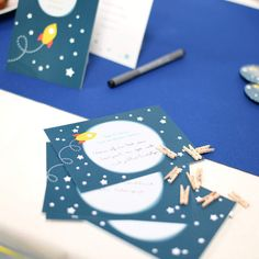Wensblaadjes | Raket Blauw #kinderfeestje #babyborrel #wishcards #rocket #Beaublue