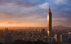 (Taipei 101 and skyline, Taipei, Taiwan)