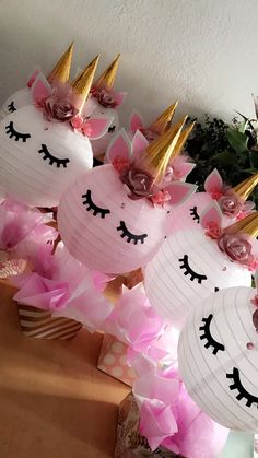Cute unicorn centerpieces / pastel colors / unicorn decorations / birthday gir/ unicorn ideas