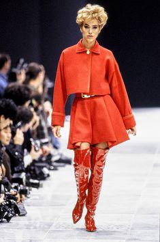 Versace Fall 1991 Ready-to-Wear Fashion Show
