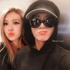 A social media story of Rosé and Jungkook. Rosé and Jungkook become closer interacting on social media and fans are having a field day seeing their interaction. Will they accept them or not? Bts Girl, Bts Boys, Jungkook Cute, Bts Jimin, Kpop Couples, Cute Couples, Bts Twice, Best Kpop, Blackpink And Bts