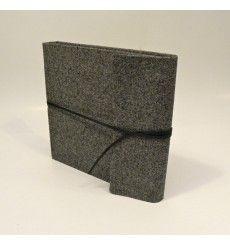 Album fotografico con aletta rivestito in tessuto tweed con chiusura laccetto