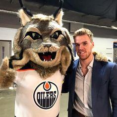 All Star Weekend 2018 Hunter and Connor Hockey Teams, Hockey Players, Ice Hockey, Connor Mcdavid, Edmonton Oilers, Cat Day, Nhl, All Star, Teddy Bear