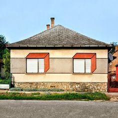 Photographer Katharina Roters Documents the Subversive Geometric Decorations of Hungarian Houses | Junkculture