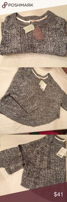 Anthropologie sweater brand new Very cute cropped sweater with three-quarter sleeves, very soft! Anthropologie Sweaters Crew & Scoop Necks