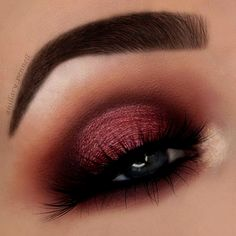 Gorgeous Makeup: Tips and Tricks With Eye Makeup and Eyeshadow – Makeup Design Ideas Burgundy Eyeshadow Looks, Cranberry Eyeshadow, Fall Eyeshadow Looks, Makeup Eye Looks, Blue Eye Makeup, Eyeshadow Makeup, Smokey Eyeshadow, Maroon Makeup, Burgundy Makeup