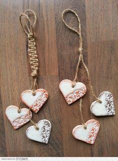 PASJA DEKOROWANIA… Christmas Activities, Christmas Crafts, How To Make Ceramic, Salt Dough Crafts, Heart Crafts, Clay Ornaments, Diy Keychain, Diy Clay, Xmas Decorations