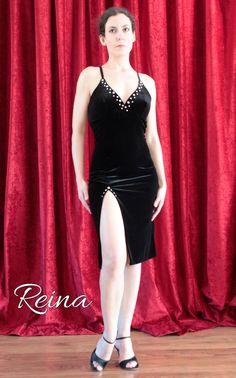 Negro vestido de terciopelo para show de tango / por reinatango