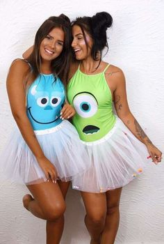 Halloween Costume Ideas That Are Guaranteed To Impress 3 Person Halloween Costumes, Cute Costumes, Halloween Outfits, Carnival Costumes, Disney Halloween, Best Friend Costumes, Halloween Kleidung, Fantasias Halloween, Halloween Disfraces