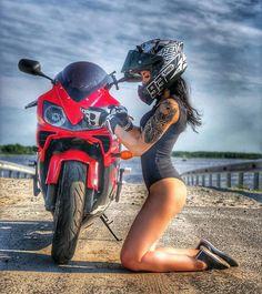 Girls and bikes blood boils at the sight of this… check it out. Lady Biker, Biker Girl, Honda, Moto Design, Motard Sexy, Moto Cross, Motorbike Girl, Scooter Girl, Hot Bikes