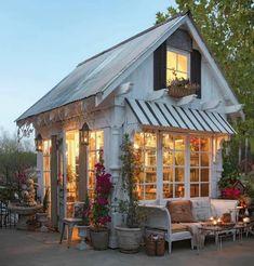 Wohnwagen vorzelt vorzelt a Backyard Cottage, Backyard Retreat, Garden Cottage, Cozy Cottage, Cottage Style, Backyard House, Backyard Studio, Backyard Greenhouse, Backyard Sheds