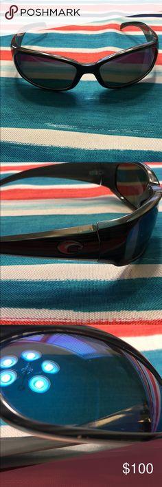 88c4915735 Costa Del Mar sun glasses Hammerhead 580 glass sunglasses. They have very  minor blemishes.