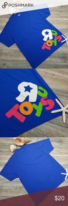 "Toys R Us Employee logo blue tee shirt Sz XL Employee T-shirt  Bright Toys R Us logo Blue  Cotton/poly  Size XL  Smoke free home  The end of an era. ""I wanna be a Toys R Us kid""  🔸️Chest: 23"" 🔸️Shoulders: 23"" 🔸️Length: 30""  19-0503Qzu5B13-707 Gildan Shirts Tees - Short Sleeve"