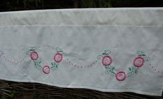 Bildresultat för ritat på halvlinne Towel Embroidery, Napkins, Tableware, Dinnerware, Towels, Dinner Napkins, Dishes, Serveware
