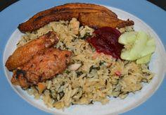 In mijn allereerste Moksi Alesi recept had ik al aangegeven dat er meerdere varianten waren om een Moksi Alesi te maken. Deze variant is met de surinaamse groenten Bitawirie / Bitawiri. Deze groente is vanzichzelf een beetje bitter maar samen met het rijst... Suriname Food, Jalapeno Recipes, Island Food, Exotic Food, Caribbean Recipes, I Love Food, Cooking Time, Soul Food, Other Recipes