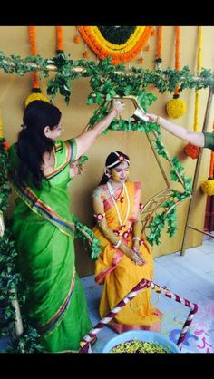 New indian bridal shower events Ideas Marriage Decoration, Wedding Stage Decorations, Bridal Shower Decorations, Flower Decorations, Wedding Garlands, Indian Bridal Photos, Haldi Ceremony, Wedding Rituals, Indian Wedding Photography