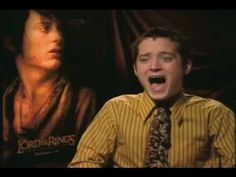 Dominic Monaghan interviews Elijah Wood even though Elijah didn't know it was him. SO FUNNY! I love his laugh!