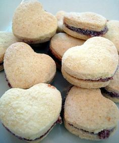 This is the recipe for some famous Brazilian cookies, I was dying to eat some guava cookies and I found a great recipe. They were delicious, and a funny thing was that, when I made the cookies, I l… Cake Cookies, Sugar Cookies, My Favorite Food, Favorite Recipes, Cooking Cookies, Good Food, Yummy Food, Sweet Recipes, Cookie Recipes