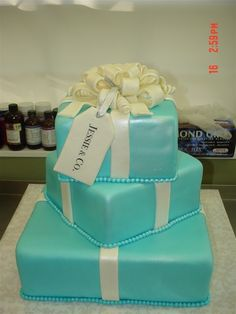 love this package cake
