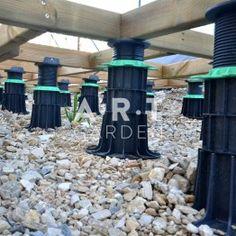 Lambourde sur plot réglable 140/230 mm JOUPLAST pour rattraper le niveau