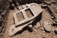long porthole stone, discovered in the excavation areas at Göbekli Tepe's northwestern hilltop, in Photo O. Stone, History, Rock, Historia, Rocks, Stones