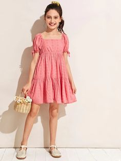 To find out about the Girls Knotted Puff Sleeve Button Back Schiffy Dress at SHEIN IN, part of our latestGirls Dresses ready to shop online today! Frocks For Girls, Dresses For Teens, Little Girl Dresses, Girls Dresses, Girls Fashion Clothes, Kids Fashion, Fashion Outfits, Frock Fashion, Stylish Dresses