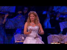 Memories sung by  Mirusia Louwerse in Sydney-I am crying right now.