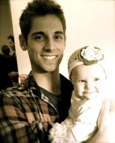 Jean-luc Bilodeau as Ben in the new abc family show called #BabyDaddy . It is such a cute show! and that baby is adorable!! and he is just.... so attractive ;) mmm