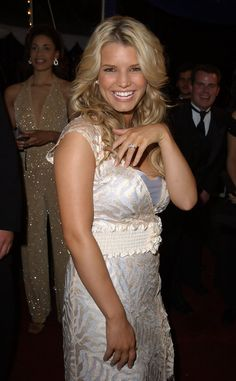 Jessica Simpson Wedding Ring, Is It Beautiful?  For Those Who Do Not Know  Who Jessica Simpson Is, Then They Should Know. It Is Because She Has Sucu2026