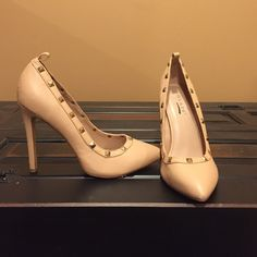Studded Nude Pumps Adorable worn once! Tiny chip (as pictured) Shoes Heels
