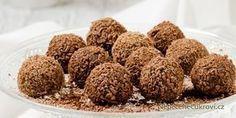 Nudí vás Ferrero Rocher kuličky z obchodu a chcete změnu? Udělejte si domácí Ferrero kuličky! Jedná se o velmi snadný recept a výsledek je opravdu vynikající. Připravte si doma toto nepečené vánoční cukroví.