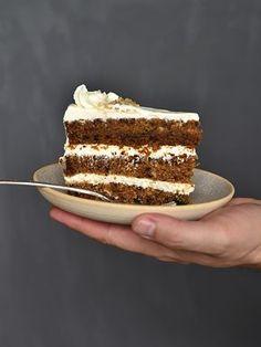 Na mrkvový dort jsem dostala tip od Magdy a Lucky (za to jim moc děkuji). Prvně jsem ho zkusila upéct na plech a jako obvykle jsem upravova...