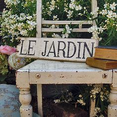 Le Jardin sign